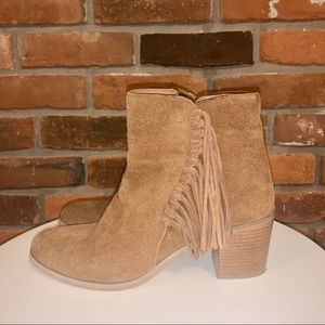 Reaction Kenneth Cole Brown Suede Boots Size 10